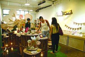Stitch Paperie的負責人林欣澔表示店舖營運有很大的困難。