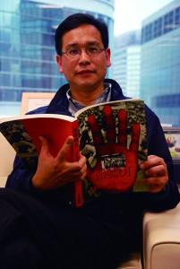 葉建源認為,落實一國兩制、民主回歸不容易。三十多年來,他覺得香港也進步了。(葉倩如攝)