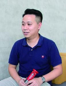 譚志成認為從收藏的過程中能認識更多英殖時期的香港歷史。(蘇惠欣攝)