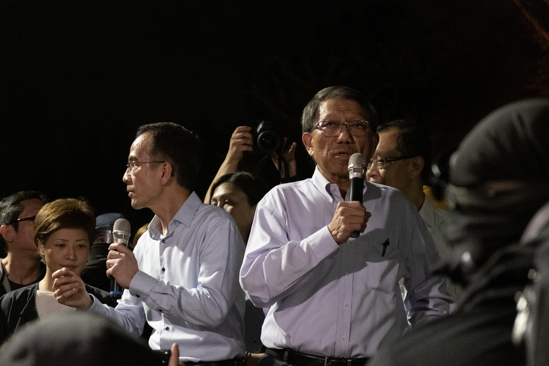 http://ubeat.com.cuhk.edu.hk/wp-content/uploads/146_Dennis_gallery3.jpg