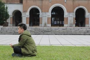 「台灣,對不起。」周子瑜事件雖事不關己,在台陸生張逸帆仍在Facebook向台灣人道歉,望展現抱歉的態度。(廖嘉慧攝)