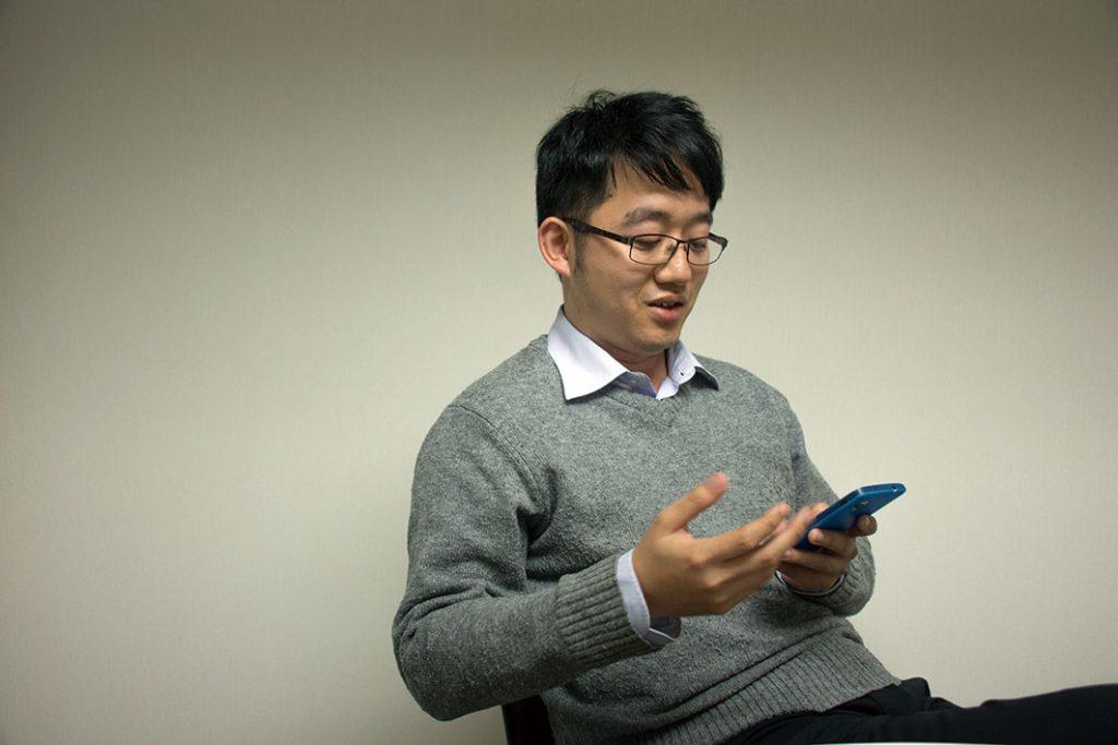 田方澤笑謂:「我在臉書、WhatsApp說甚麼,又關你(操守議會)甚麼事呢?」(林家儀攝)
