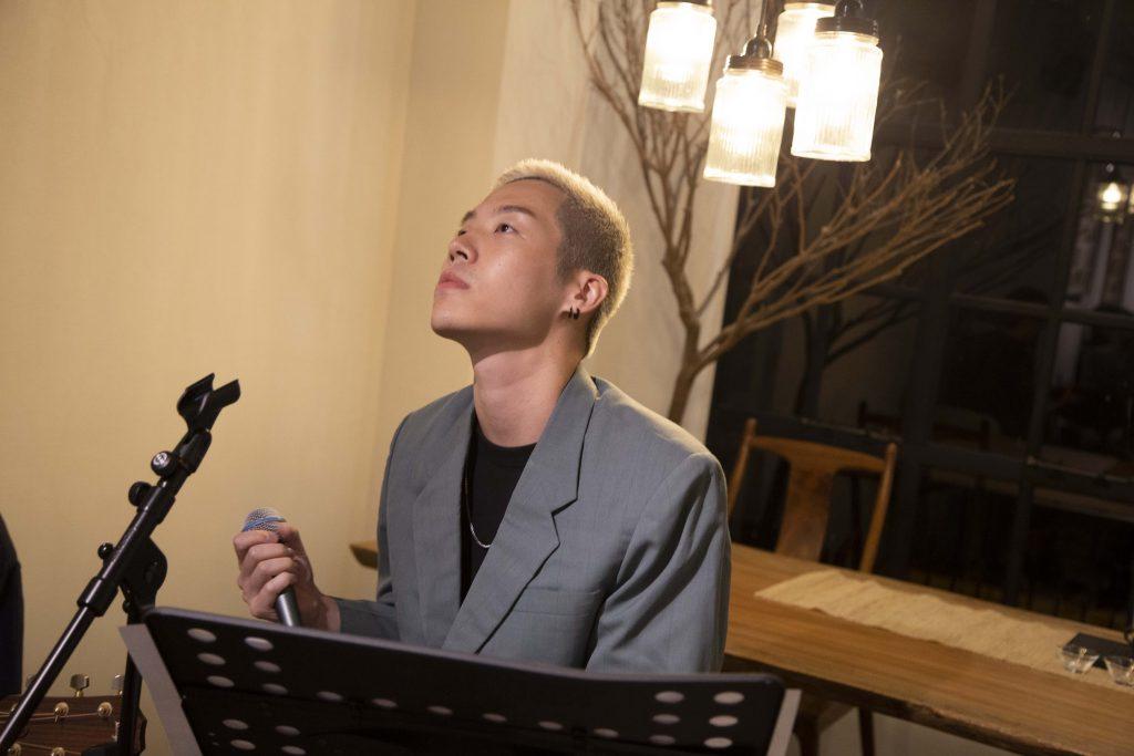 林聰於2019年9月舉行小型音樂會《若只如初見》,希望透過音樂為聽眾舒緩無力感。(受訪者提供)