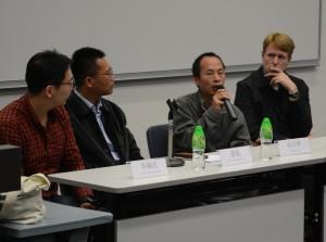 李鐵成和朱日坤在香港中文大學放映《對話》後與觀眾進行對談。