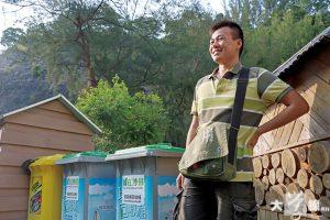 劉海龍從前在上水村屋居住,屋旁農田除了用作安置家中廚餘,也會收集妻子娘家的廚餘用作堆肥。(黎淑怡攝)