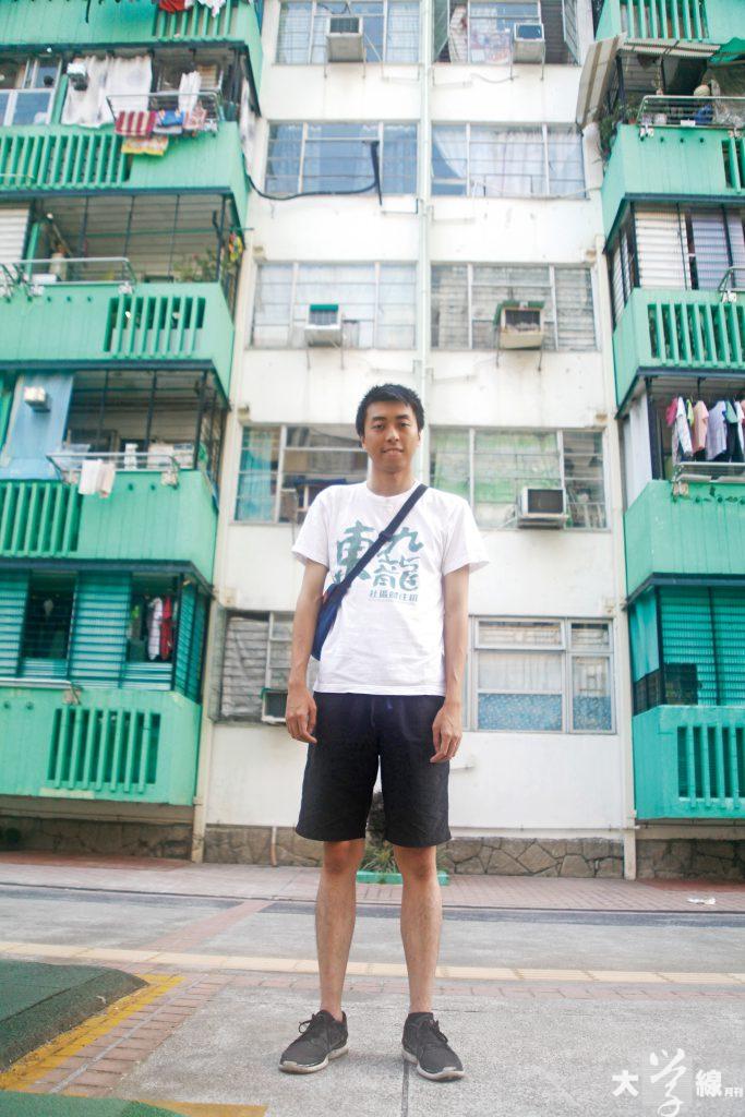 陳澤滔在和樂邨長大,他的家人至今仍在這裡居住。(黃靄兒攝)